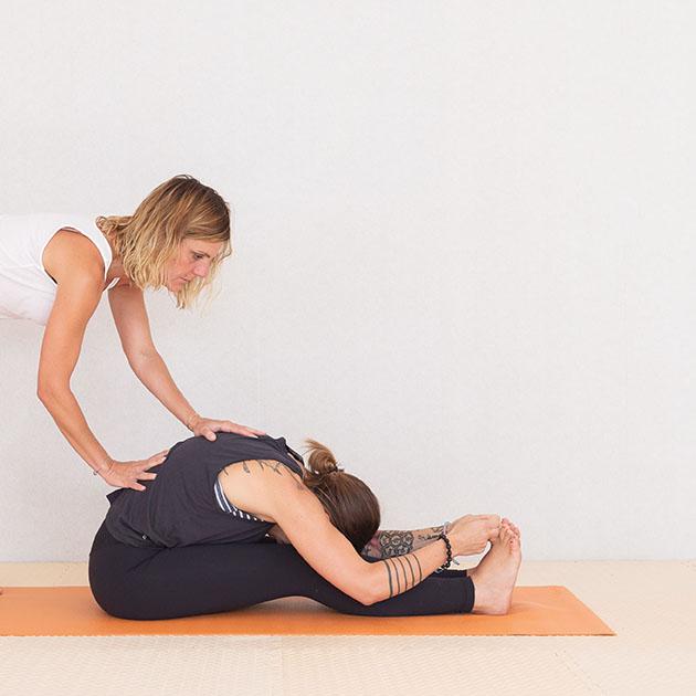 anayoga clases de yoga en algorta y etxebarri